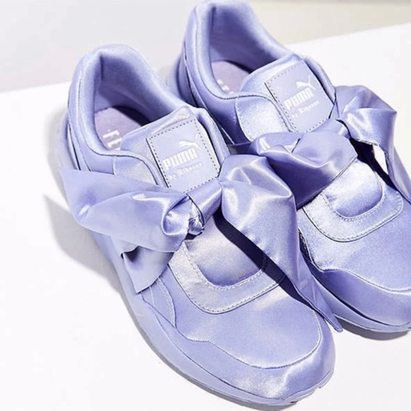 huge discount 44e6c 31517 Fenty by Rihanna Bow Sneaker NWT